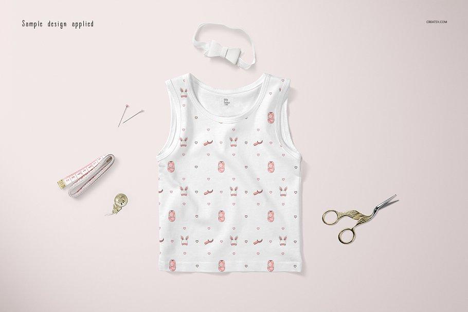 موکاپ لباس نوزاد