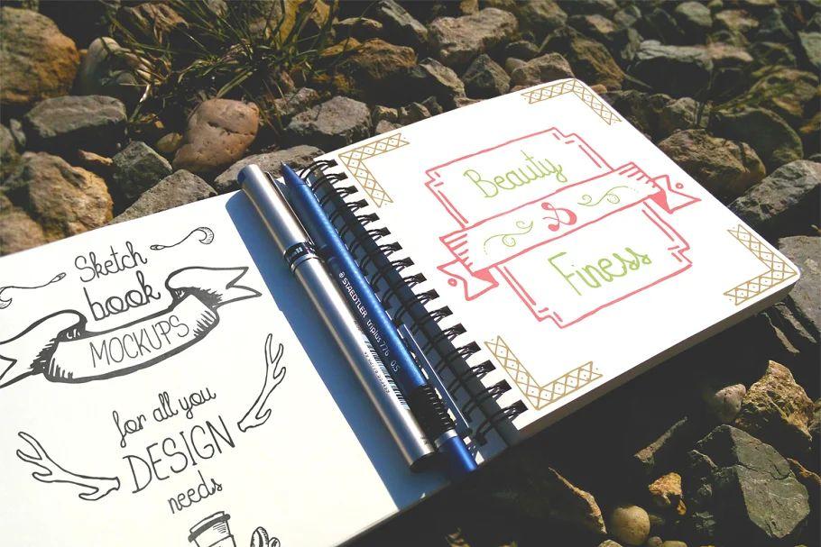 موکاپ دفترچه یادداشت Outdoor Sketchbook